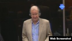 Ed Vulliamy svjedoči na suđenju Ratku Mladiću, 19. rujan 2012.
