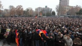 Armenia - Thousands of people demonstrate in Yerevan in support of opposition presidential candidate Raffi Hovannisian, 22Feb2013.