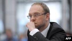 Сергій Власенко захищав Юлію Тимошенко як громадський захисник, але не як професійний адвокат