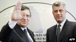 Hose Manuel Baroso dhe Hashim Thaçi gjatë konferencës për shtyp në Prishtinë,20 maj 2011
