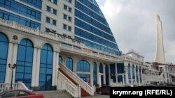 В этом здании на набережной Перелешина для «ИКС-ТВ» были куплены помещения