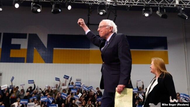 Senator Berni Sanders posle glasanja za predsedničku nominaciju Demokratske partije u Nju Hempširu