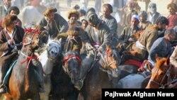 Бузкаши развит не только в Таджикистане, но и, например, в Афганистане.