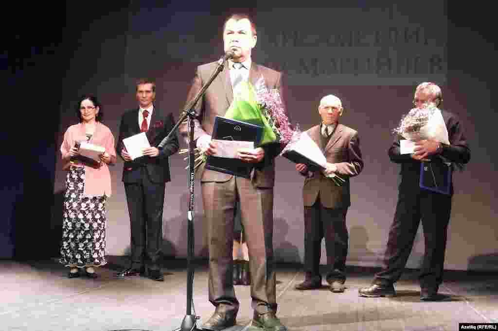 Прозаик Хисаметдин Исмәгыйлев чыгышы