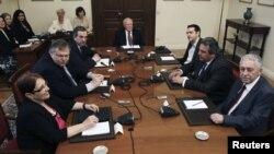 Грчките политички лидери кај претседателот Каролос Папуљас, мај 2012.