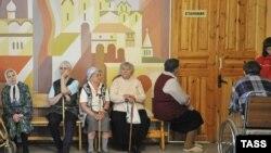 Известная осетинская певица, бывшая солистска ансамбля «Алан» Аза Цгоева встречает свой 80-летний юбилей во владикавказском доме престарелых