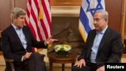 Американскиот државен секретар Џон Кери со израелскиот премиер Бенјамин Нетанјаху