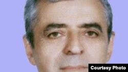 کوروش زعيم می گويد که کميته دفاع از انتخابات آزاد، انتخابات مجلس هشتم را مخدوش می داند.