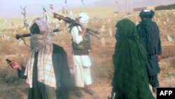 مجاهد:زموږ پلاوی له قطر څخه پاکستان ته تللی.
