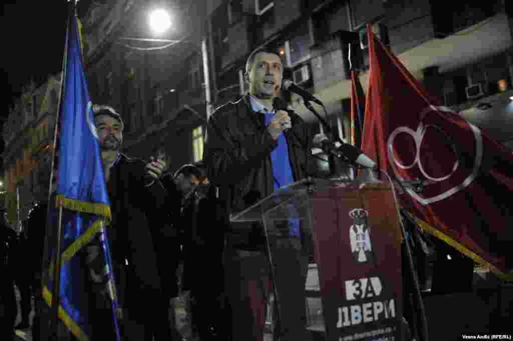Bosko Obradović na protestu Dveri ispred RIK-a
