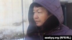 Жительница дома № 34 по улице Аскарова в Шымкенте Замира Оралбаева. 6 декабря 2017 года.