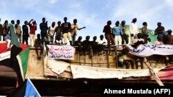 تظاهر کنندهگان در شهر خرطوم پایتخت سودان/Source: Ahmed Mustafa (AFP)