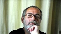"""Filosoful și dizidentul maghiar, Tamás Gáspár Miklos scrie despre """"președintele inexistent al inexistentei republici"""" care are capitala la Budapesta"""