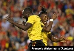 شادی بازیکنان بلژیک پس از به ثمر رساندن چهارمین گل در بازی اخیر این تیم با کاستاریکا