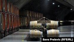 Prema podacima kompanije Plantaže, u Rusiji se godišnje proda dva miliona flaša vina i ostalih pića koja dolaze iz Crne Gore. Foto: Vinarija Šipčanik u Tuzima
