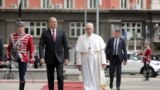 Rim papasy Fransis we Bolgariýanyň prezidenti Rumen Radew. Sofiýa.