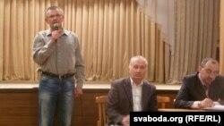 У абарону сялян выступае Валянцін Лазарэнкаў