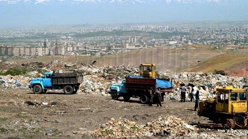 Глава «Санитек» обуславливает ситуацию с вывозом мусора плохим состоянием дороги к Нубарашенской свалке