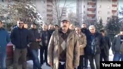 Турецкие рабочие протестуют перед посольством Туркменистана, Анкара, январь 2018 года.