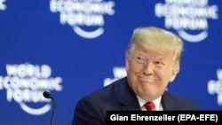 Президент США Дональд Трамп перебуває за межами США, на зустрічі Всесвітнього економічного форуму, Давос, Швейцарія, 21 січня 2020 року