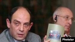 На презентации доклада «Свобода мирных собраний» Хельсинкского комитета Армении, 13 ноября, 2009 г.
