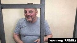 Edem Bekirov Qırımda mahkeme oturışında