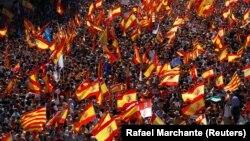 Демонстрація за єдність Іспанії на вулицях Барселони, 8 жовтня 2017 року