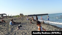 Hazar deňziniň azeri kenary.