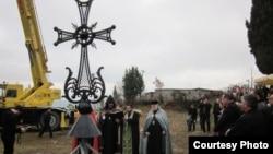 О строительстве храма в Гагре речь активно велась еще в 1989 году, когда в городе было зарегистрировано религиозное общество Армянской апостольской церкви