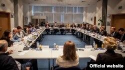 Sastanak sa nevladinim sektorom i liderima političkih partija