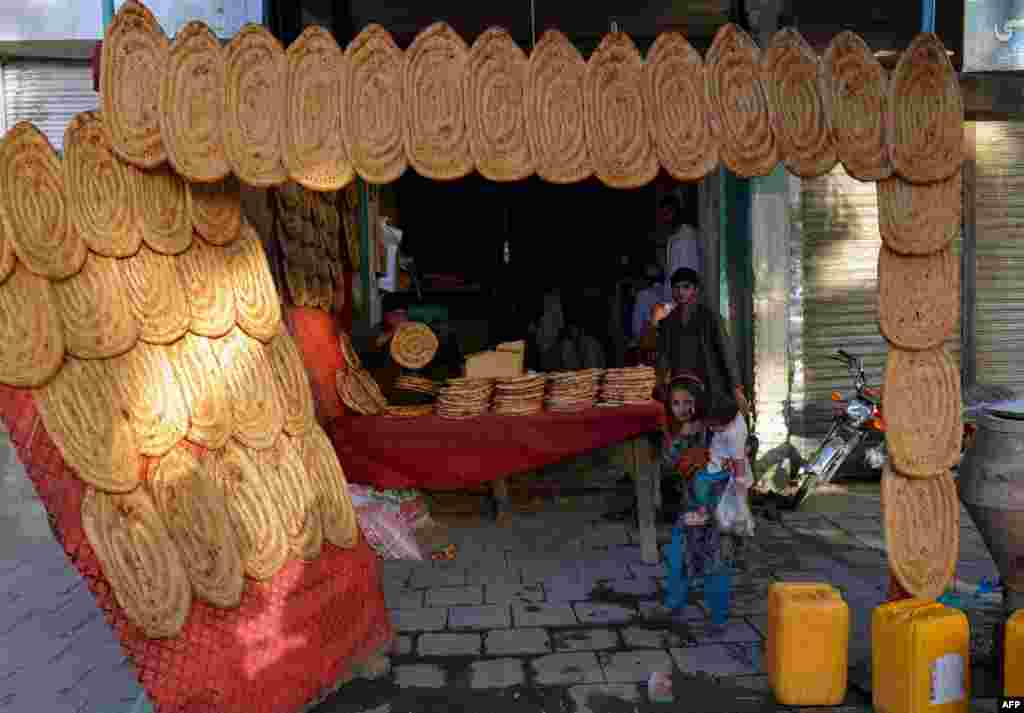 Traditional bread is sold at an Afghan shop in Kandahar during the Muslim fasting month of Ramadan. (AFP/Jawed Tanveer)
