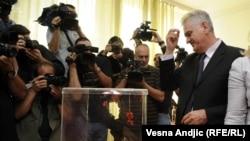 Томислав Николич: проголосував і перехрестився