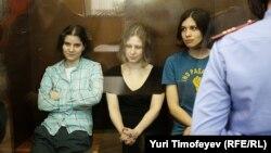 Участницы группы Pussy Riot в суде