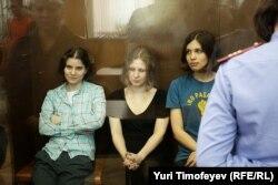 Pussy Riot в суде, 2012 год