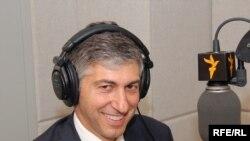 استوارت لوی، معاون وزارت خزانه داری آمریکا در امور مبارزه با تروریسم و اطلاعات مالی است.