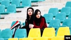 Иранки на стадионе. Иллюстративное фото.