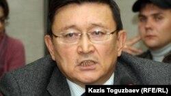 Айдар Әлібаев, зейнетақы қорлары ассоциациясының төрағасы. Алматы, 16 қазан 2012 жыл.
