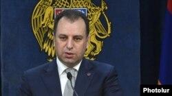 Ermənistanın müdafiə naziri Vigen Sargsian