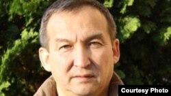 Мағбат Спанов, халықаралық бизнес университеті профессоры