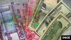 Aşgabat: Dollar 'dowuly' bilen ilteşikli dört adam tutuldy