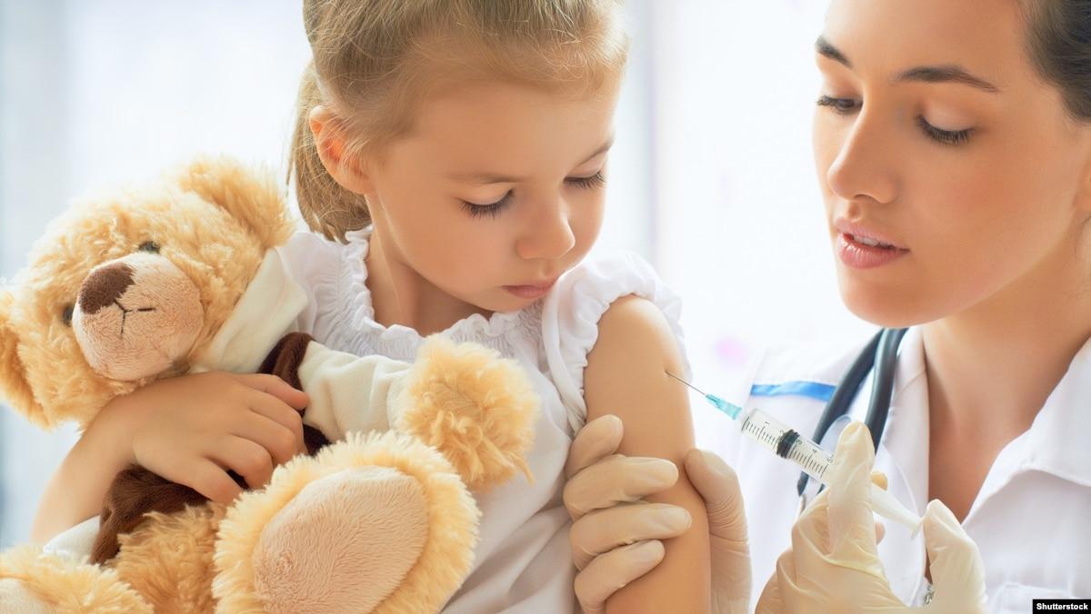 В МИНЗДРАВЕ объяснили, как вакцинироваться людям с ОРДЛО и Крыму