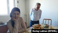 Турсынай Зияудун и Калмырза Халыкулы в своем доме. Алматинская область, 20 февраля 2020 года.