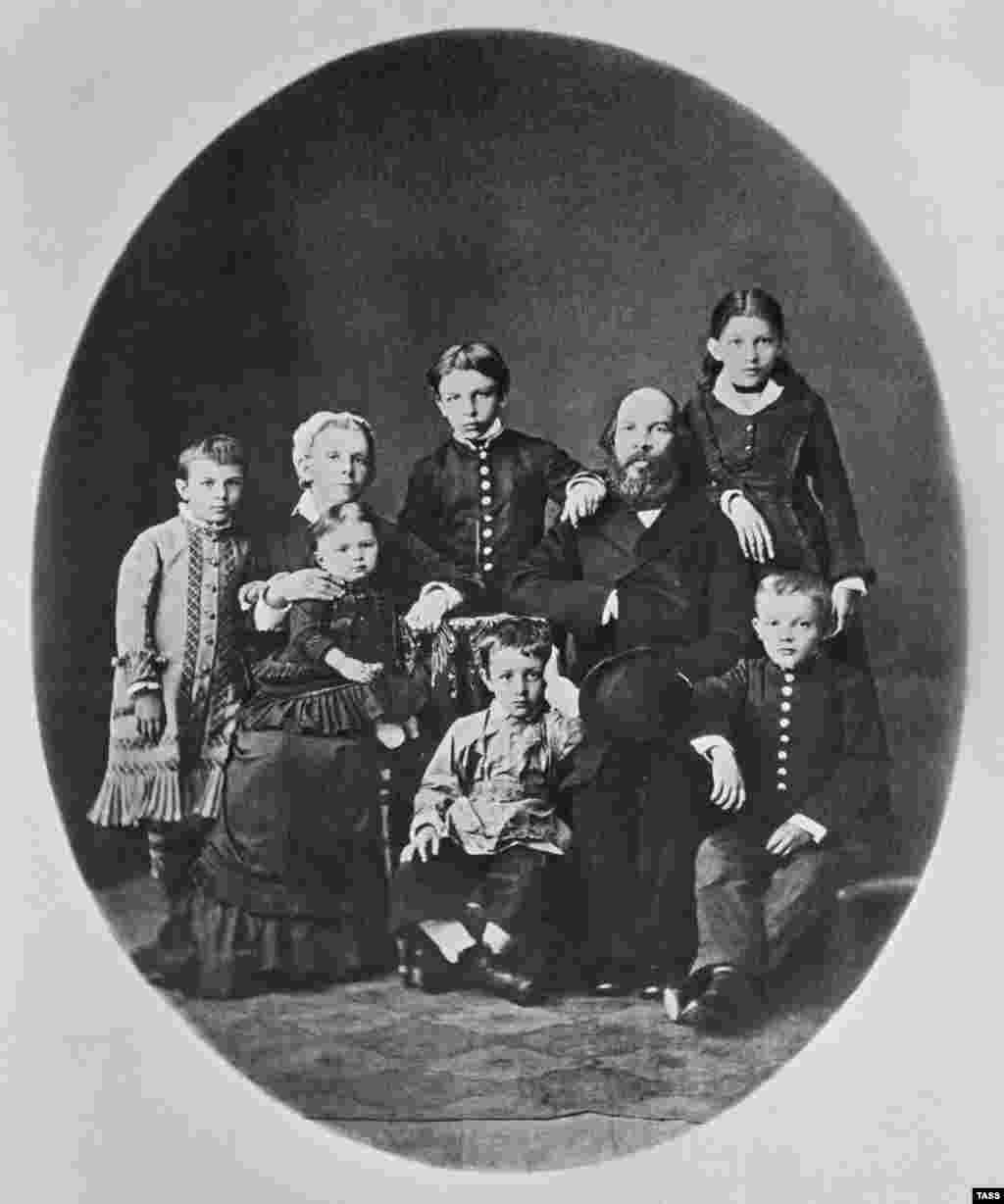 Lenin was born Vladimir Ilyich Ulyanov in Simbirsk (now Ulyanovsk) on April 22, 1870. In this photo from 1879, he poses with his family (front row, right).