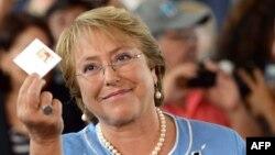 Новоизбранный президент Чили Мишель Бачелет. Сантьяго, ночь с 15 на 16 декабря