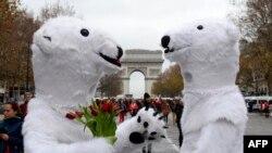 فعالان محیط زیست در پاریس