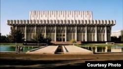 Дворец искусств «Истиклол» в Ташкенте.