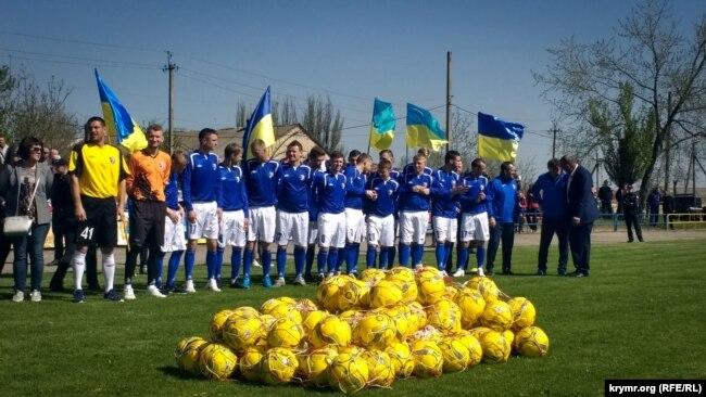 Футбольний клуб «Таврія» відкриває новий сезон у Бериславі Херсонської області, квітень 2018 року