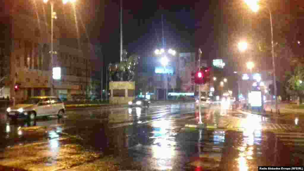 Булеварот кај Собранието при невреме во Скопје