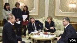 ევროპელი ლიდერები ვლადიმირ პუტინს და პეტრო პოროშენკოს ხვდებიან.