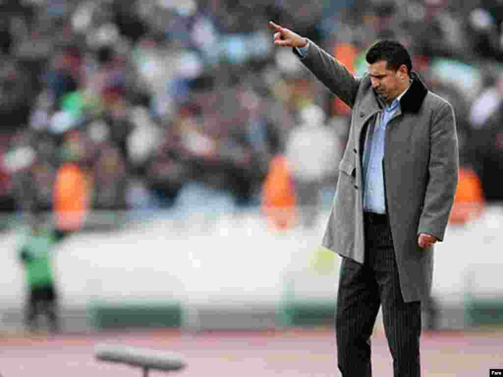 Iran -- Iran's national team coach Ali Daei in Iran - South Korea football match, Tehran 11Feb2009
